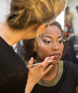 Les techniques de maquillage sur peaux foncées