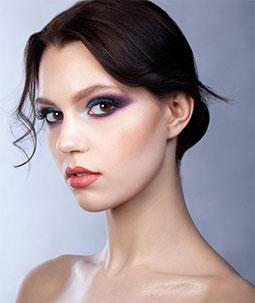 Nos astuces make-up pour un regard plus jeune
