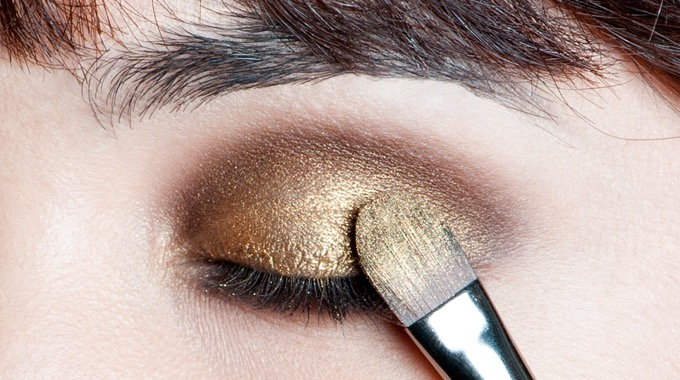 gold-brown-smoky-makeupforeveracademy-step3