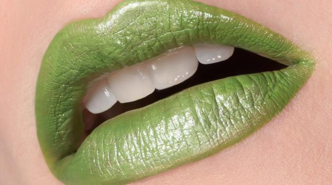closeup-bouche-annearnold-makeupforeveracademy3