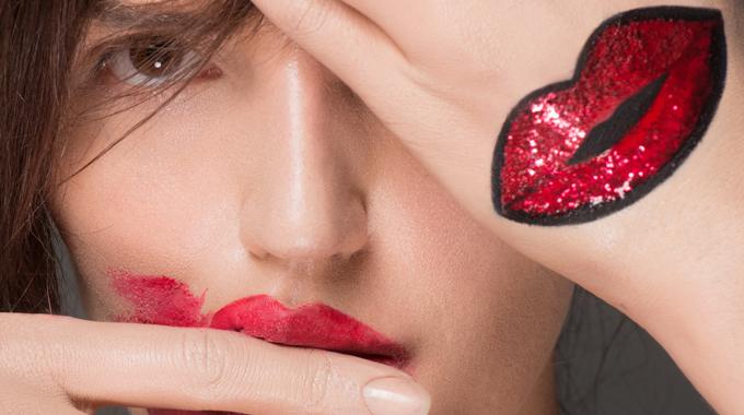 closeup-bouche-annearnold-makeupforeveracademy4