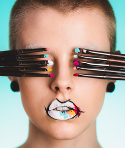 mariel-hynynen-makeupartist-makeupforeveracademy-students
