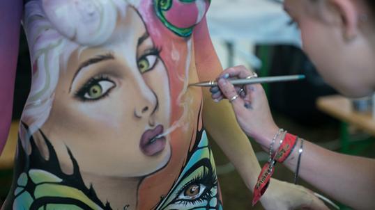 worldbodypainting-festival2017-makeupforeveracademy2